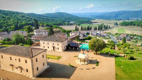 La Bagnaia Golf Spa Resort Siena, Curio Collection by Hilton